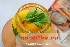 zheltie-konservirovannie-pomidory-05