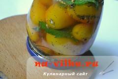 zheltie-konservirovannie-pomidory-08