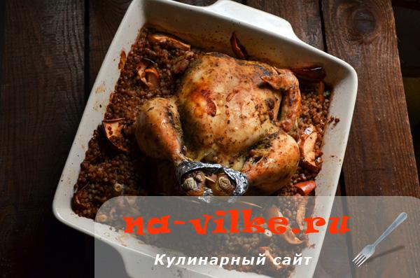 Курица с гречкой и яблоками