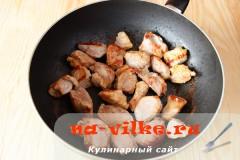 svinoy-gulyash-tomat-1