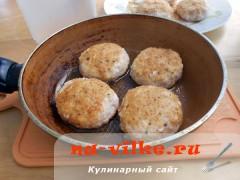 kotlety-kurinie-s-tvorogom-6