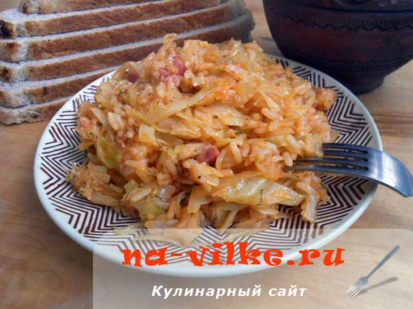 Лаханоризо – капуста, тушенная с рисом и томатным соусом