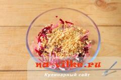 salat-iz-svekly-s-syrom-4