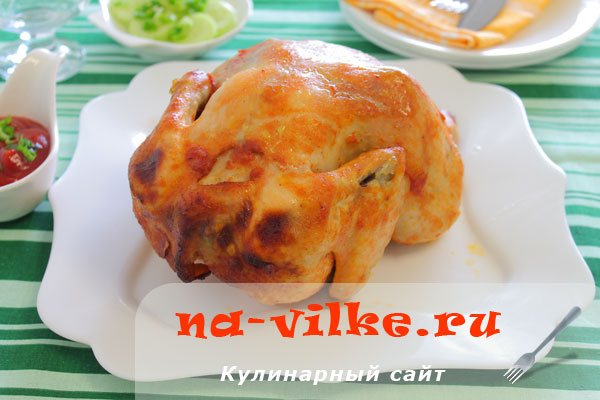 Курица в маринаде из кетчупа, запечённая на банке с водой