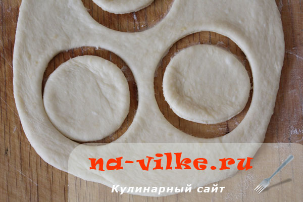 sirnie-bulochki-zvetotchki-1