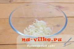 salat-laminaria-kolbasa-02