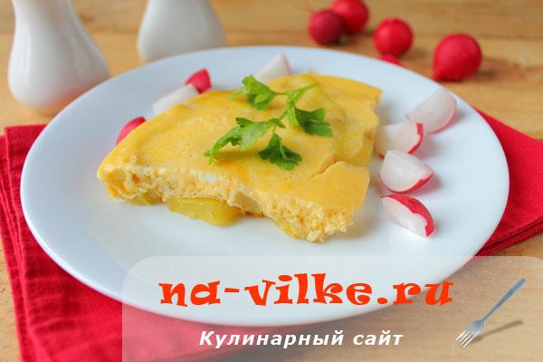 Омлет в мультиварке с вареной картошкой