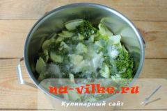 salat-iz-kabachkov-05