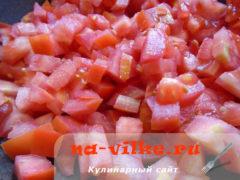 tomatniy-sous-s-lukom-1