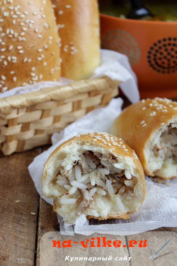 Пирожки с мясом и рисом в духовке