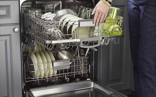 Очистка посудомоечной машины подручными и специализированными средствами