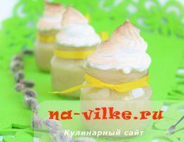 Яблочно-грушевый мусс с кускусом под «шапочкой» из безе