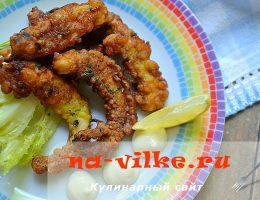 Готовим закуску из жареных кальмаров в кляре