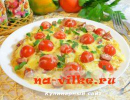 Жареная на сковороде пицца на основе из картофельного теста