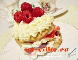 Малиновые пирожные