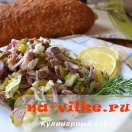Мясной салат с пекинской капустой