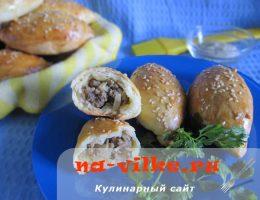 Пирожки с начинкой из мяса и капусты