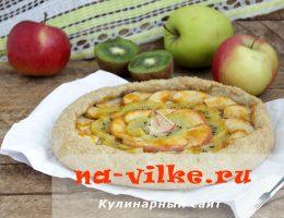 Домашняя галета со сладкой начинкой из киви и яблок