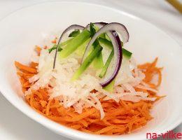 Салат с дайконом