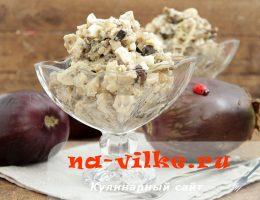 Аппетитный салат из обжаренных баклажанов и отварных яиц