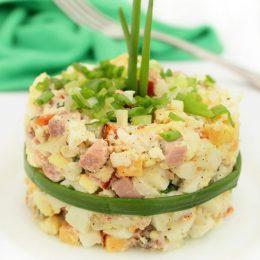 Салат из ветчины, сыра и яиц