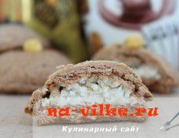 Шоколадное печенье с кокосовой стружкой внутри