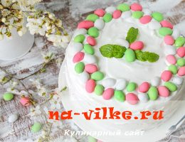 Торт из бисквита со взбитыми белками и вареньем